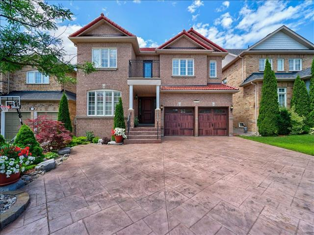105 Red River Cres